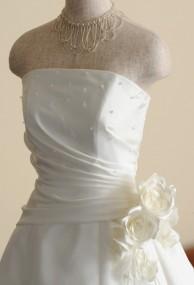 パール付きウェディングドレス